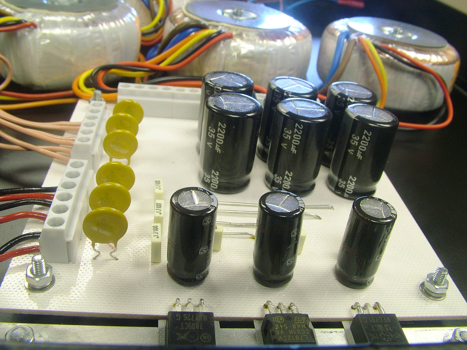 Custom power supplies at Plasma Music