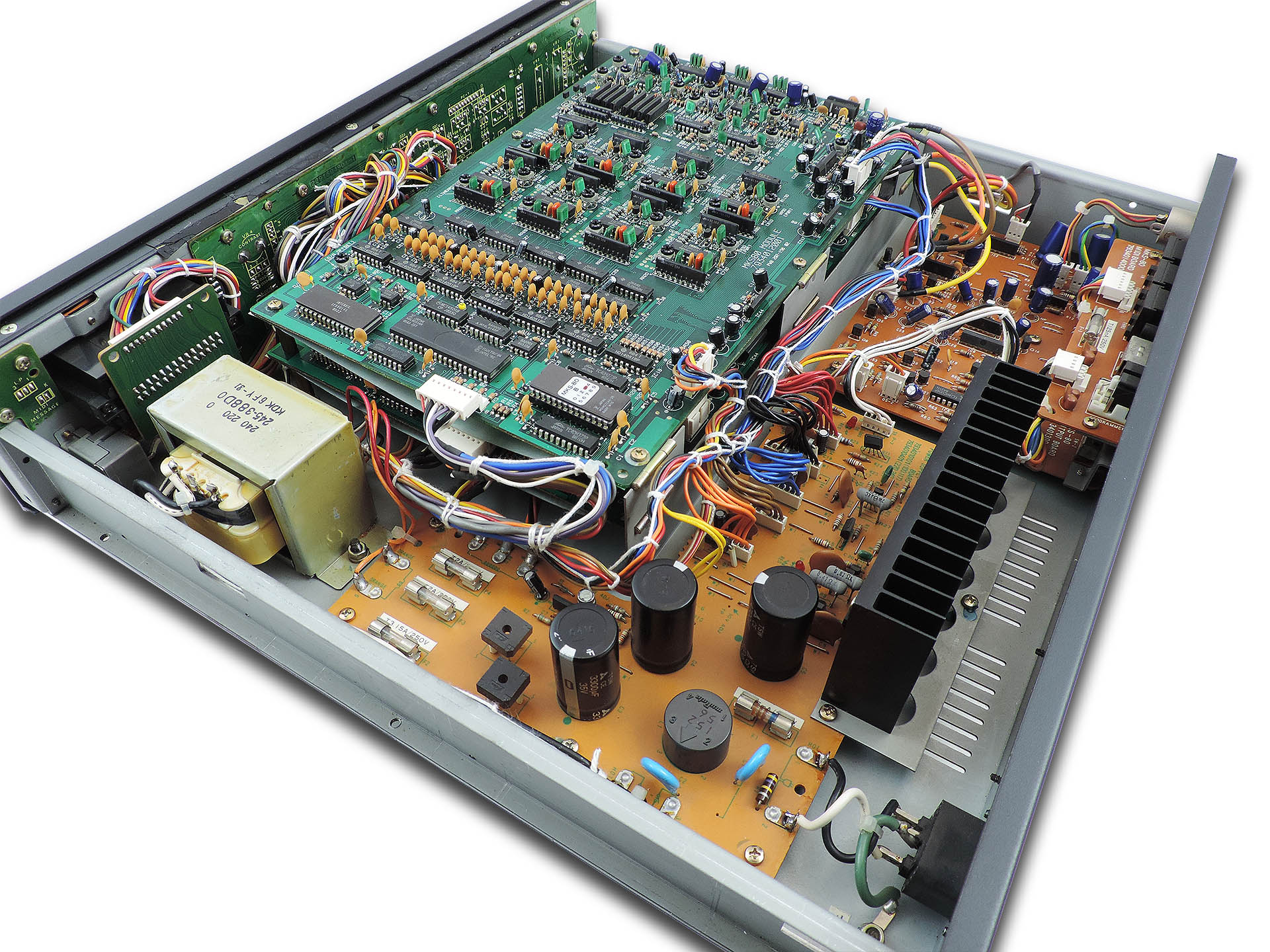 Inside the Roland MKS-80