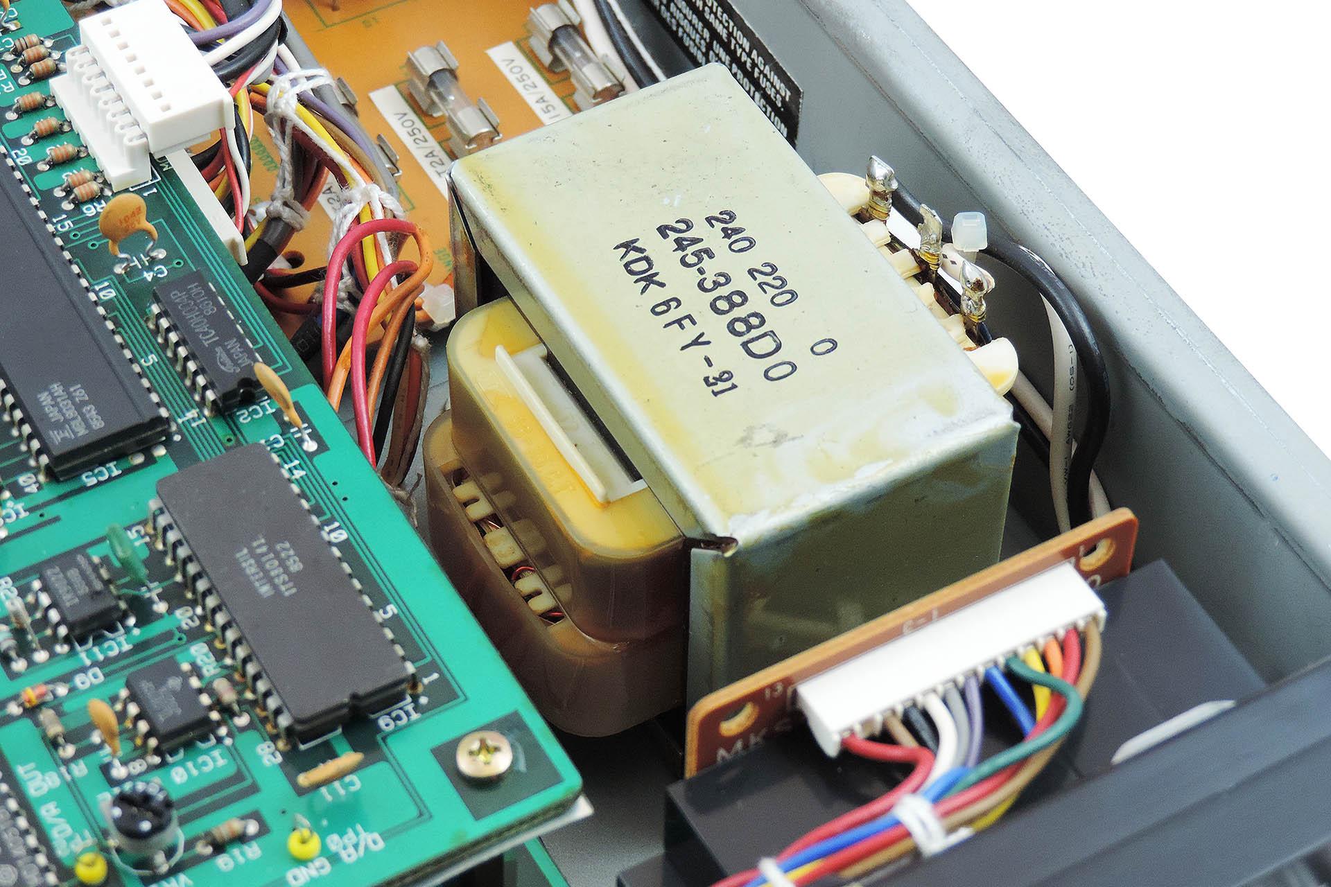 Roland MKS-80 transformer