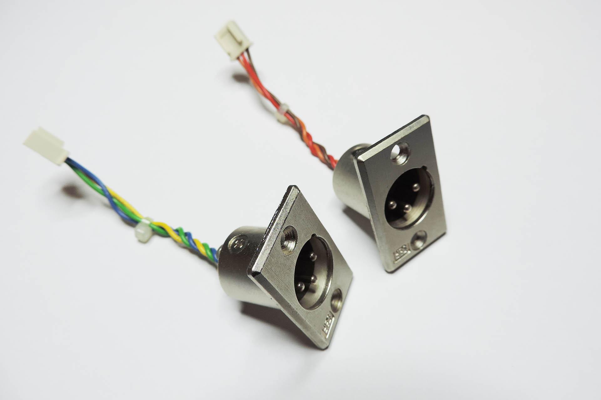 Roland MKS-80 output phase correction mod at Plasma Music