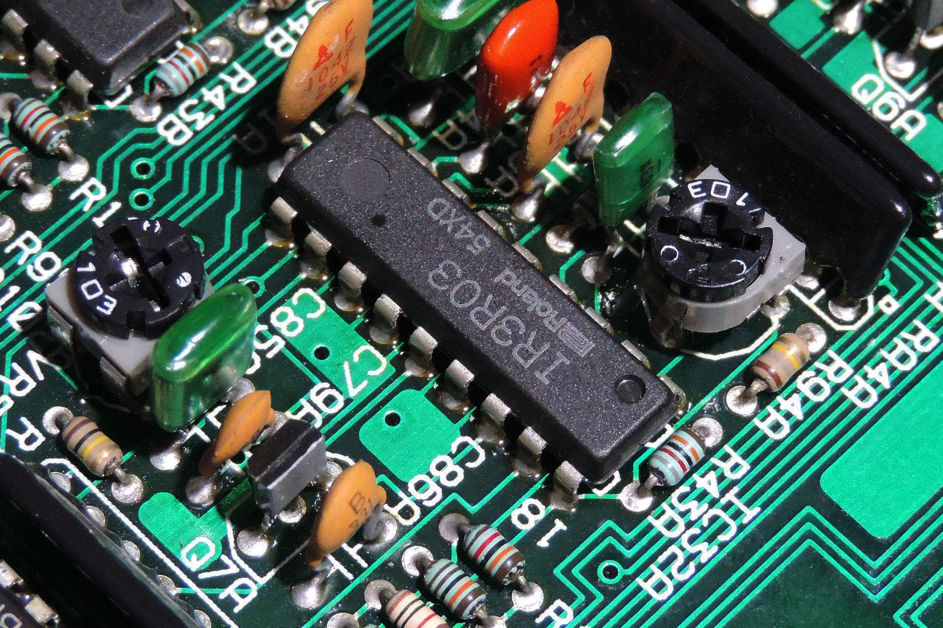 IR3R03 VCO in Roland MKS-80