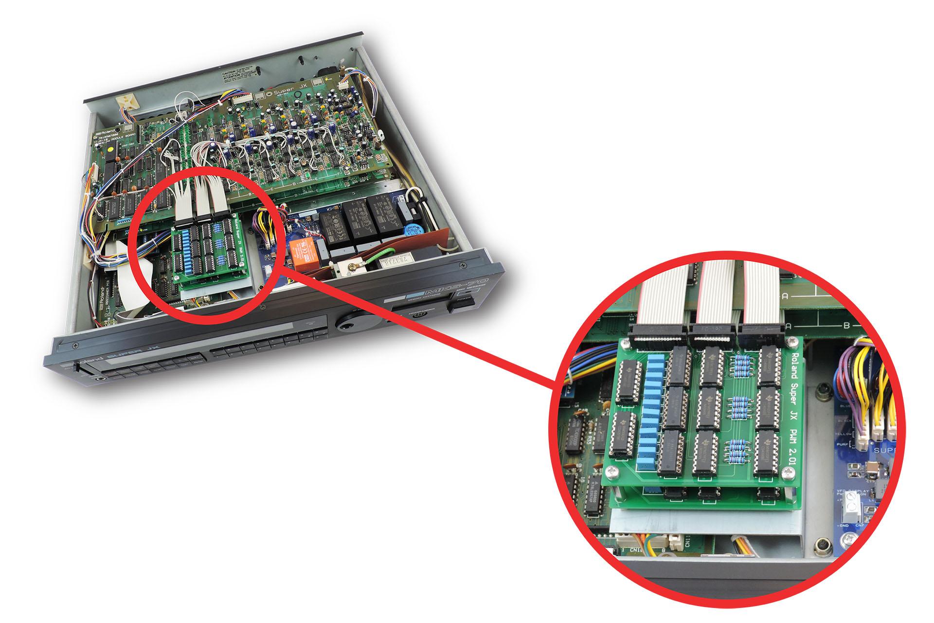 V01 bracket fitted in Roland MKS-70