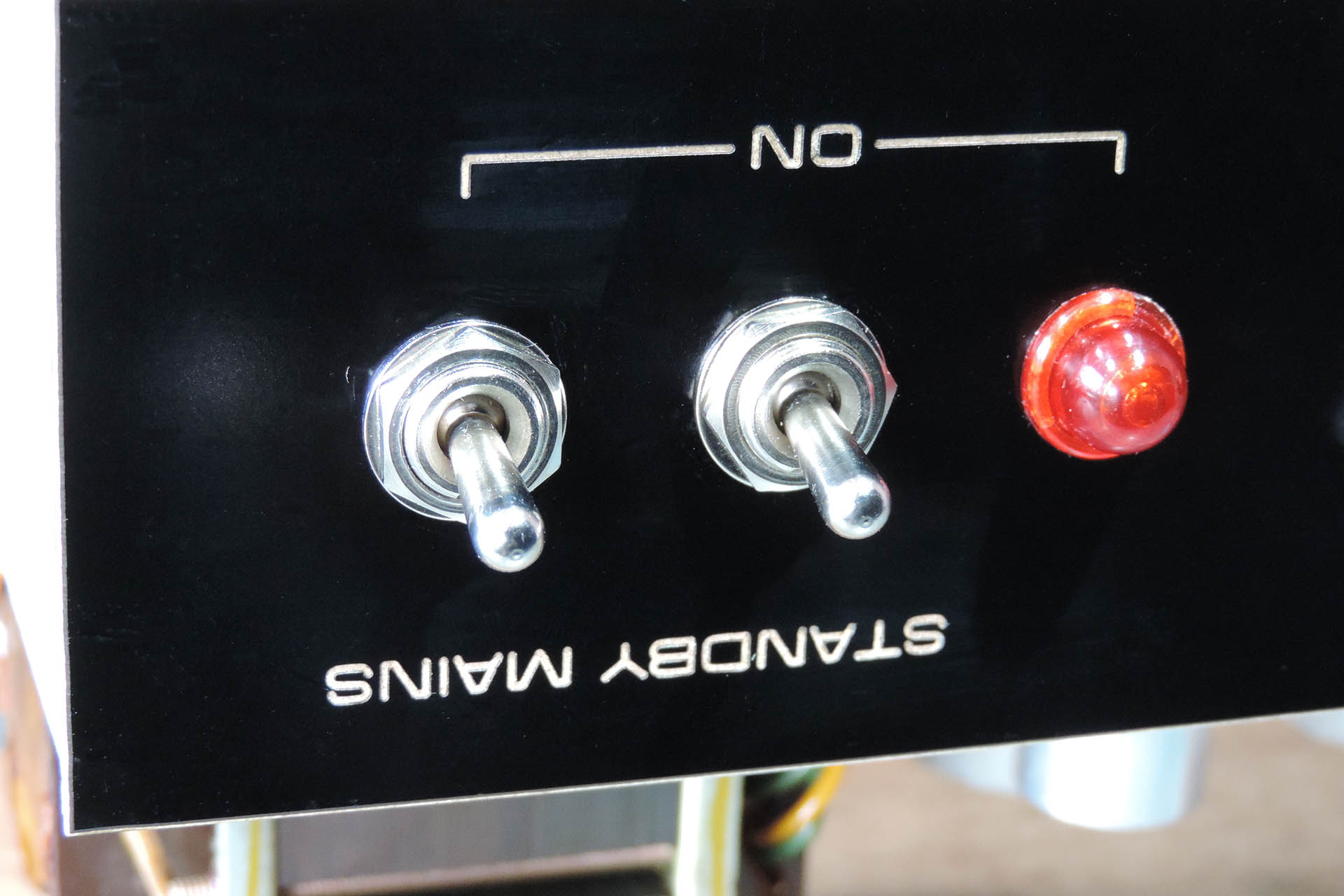 New switches on Hiwatt DR-103