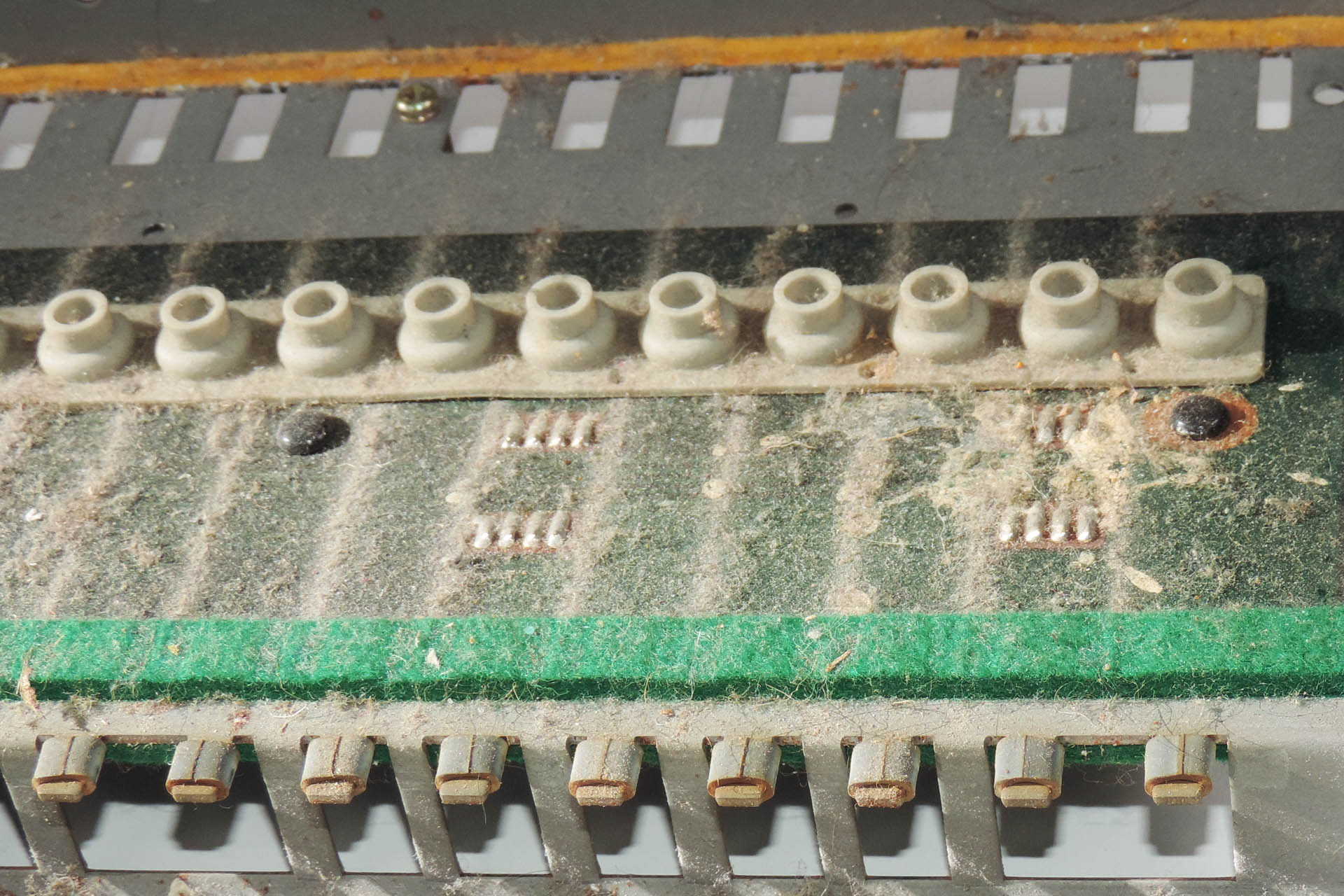Roland SH-101 keyboard bed after decades of neglect