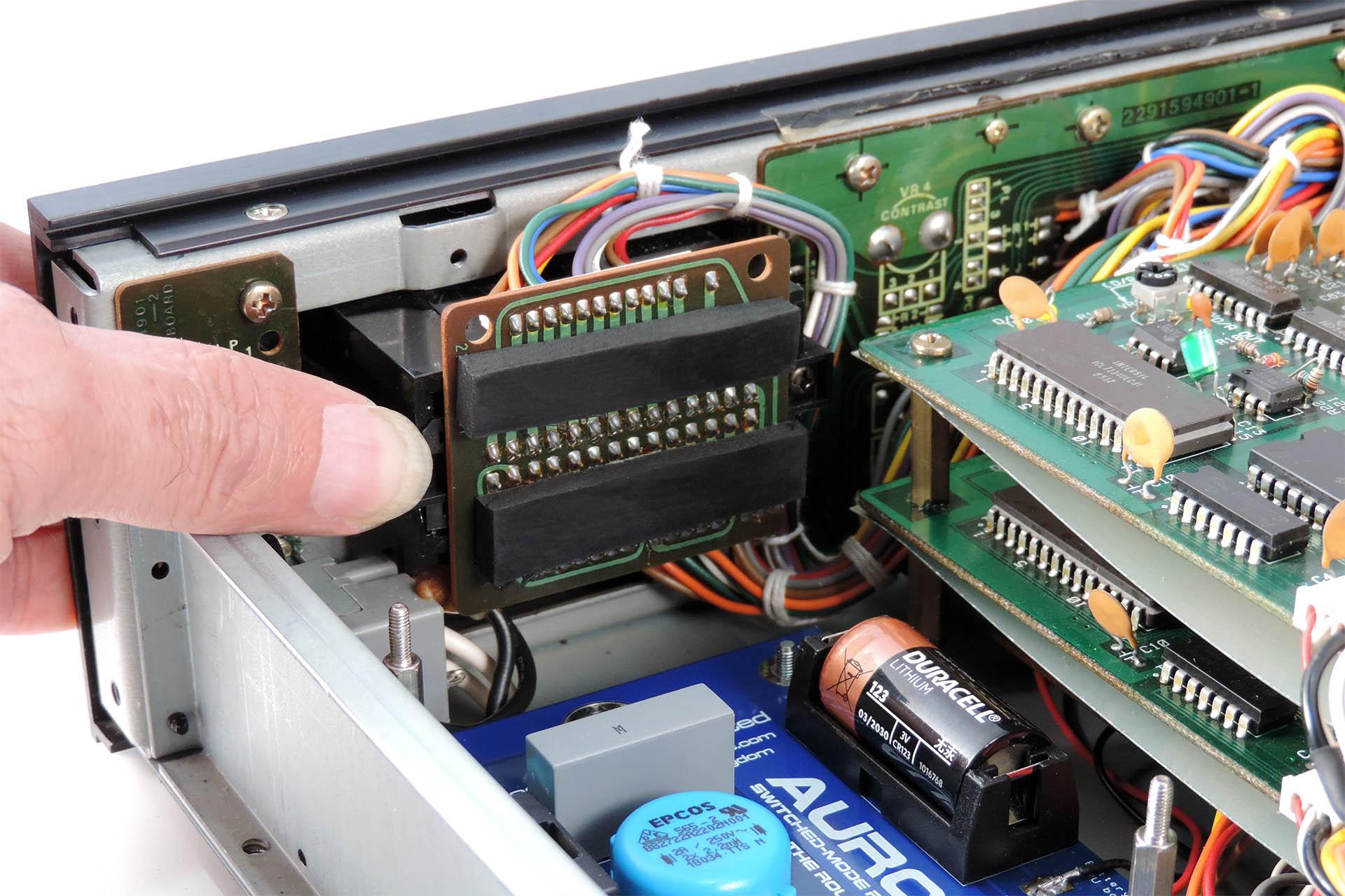 V06 Bracket for Roland MKS-80 Data Cartridge Slot