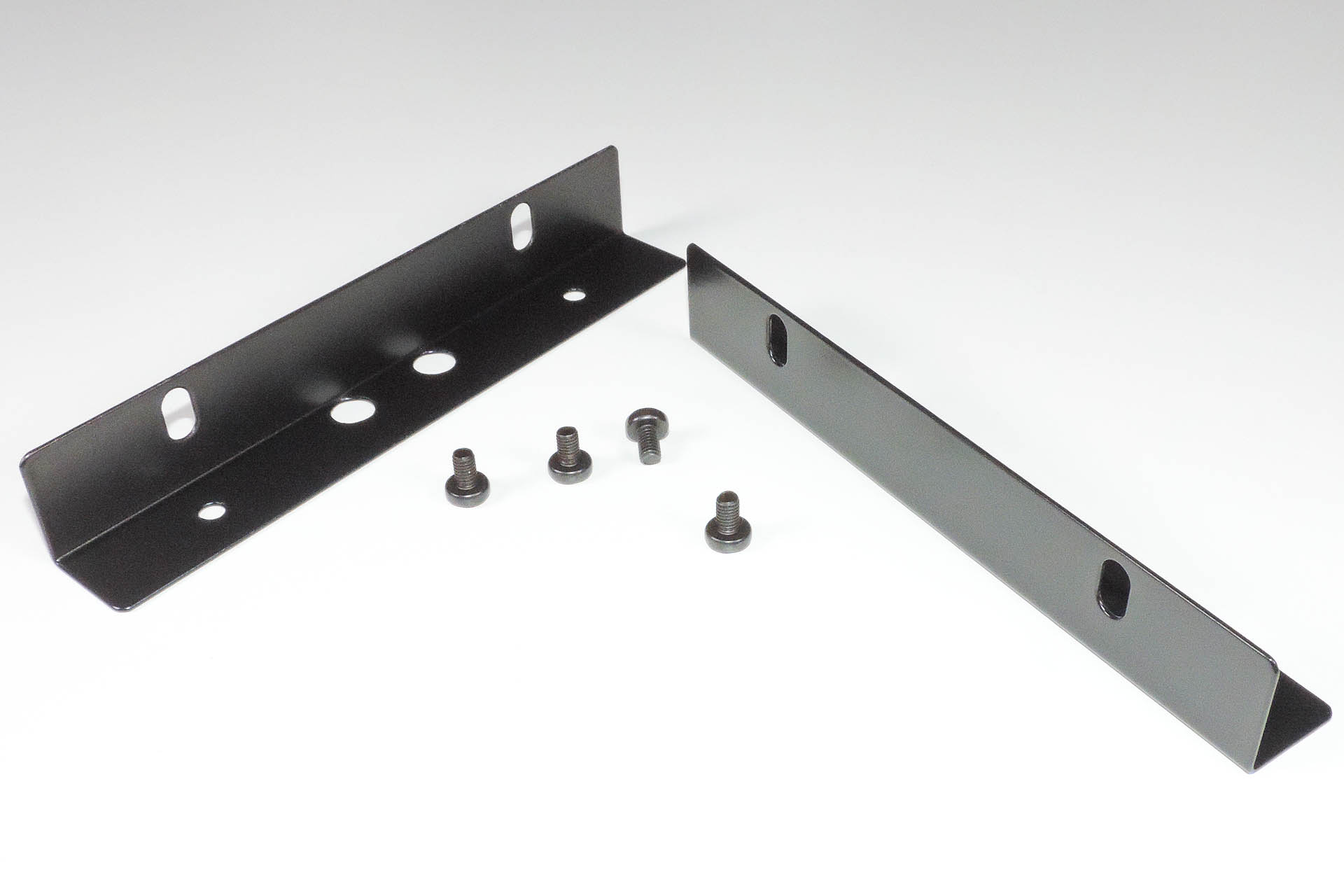 RE-MPG-80 replacement rack ears kit